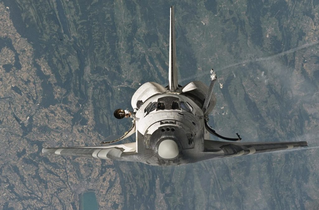 Space_Shuttle_Discovery